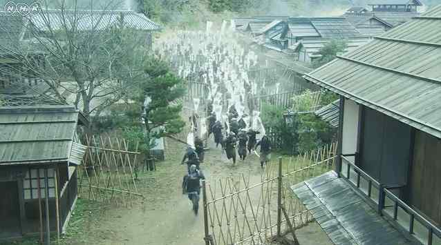 攻め込む徳川軍1.jpg