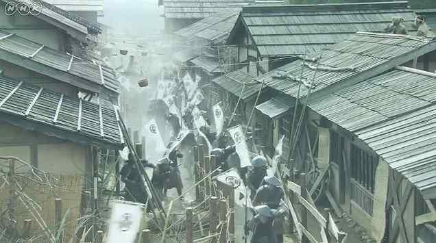 攻め込む徳川軍2.jpg