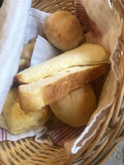 朝28パン.jpg