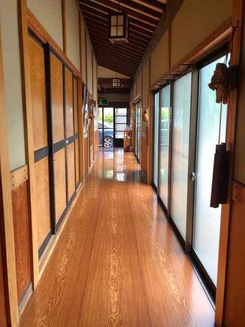 朝2廊下1.jpg