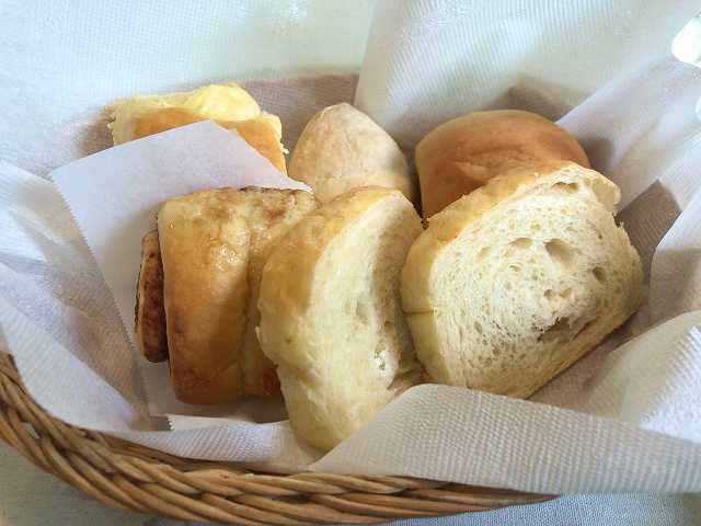 朝48パン.jpg