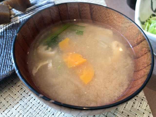 朝餉16味噌汁2お椀.jpg