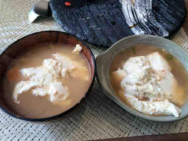 朝餉22味噌汁6豆腐を投入3豆腐3.jpg