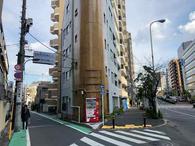 東新宿三角路地.jpg
