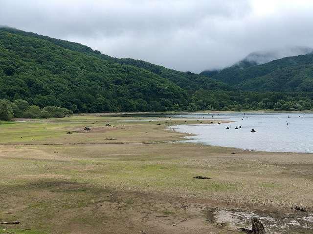 檜原湖5水が少ない2.jpg