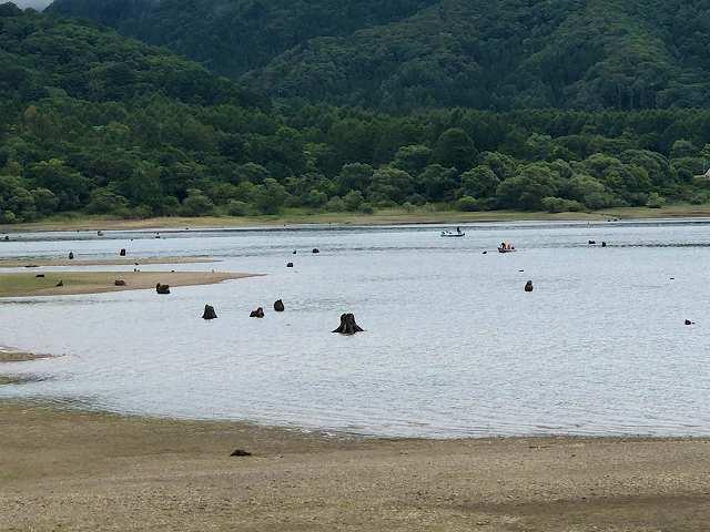 檜原湖7水が少ない4.jpg
