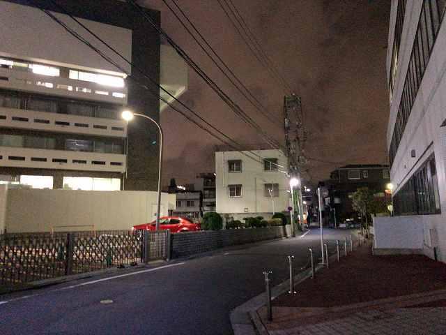 歩く2荒川区役所.jpg