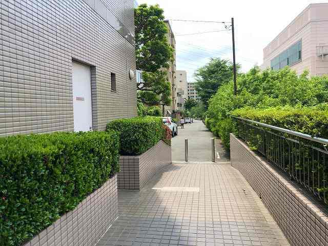 歩く3銀行の脇3.jpg