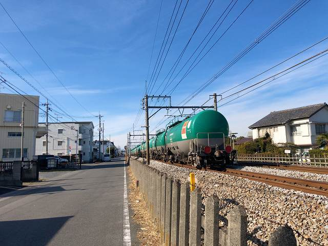 歩く4倉賀野方面貨物.jpg
