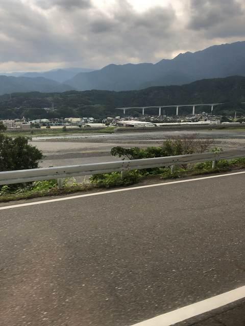 沿線風景8中部横断自動車道.jpg