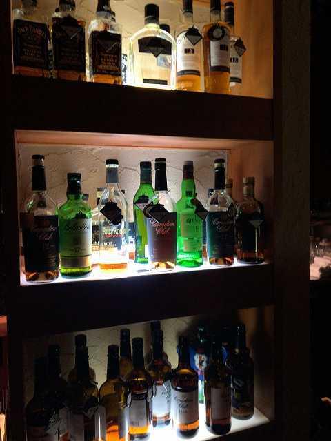 洋酒ディスプレイ.jpg