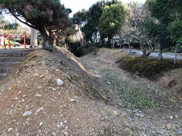 浅い堀2.jpg