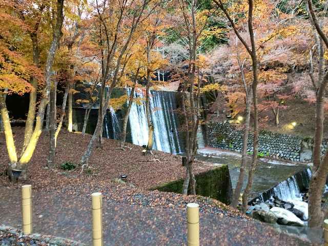 渓流の湯3堰堤.jpg
