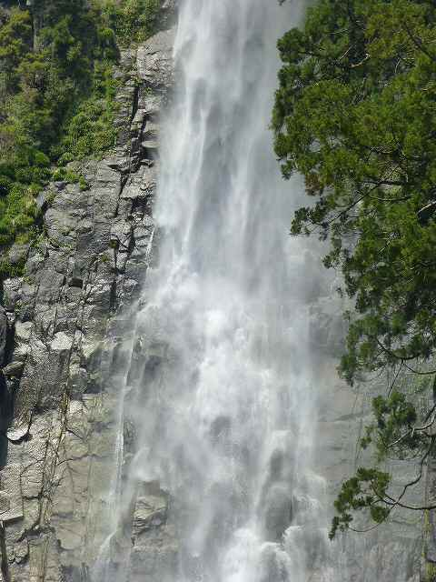 滝ズーム6.jpg