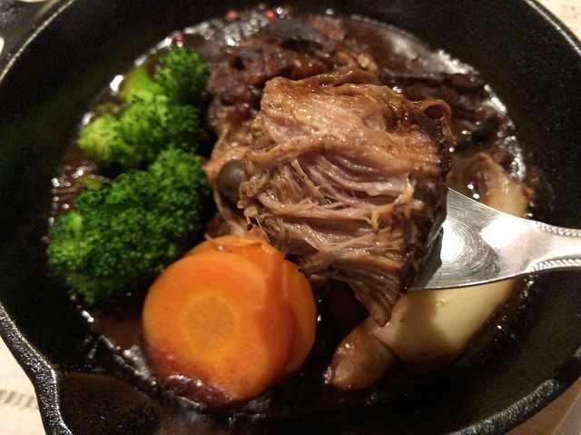 熱川豚赤ワイン煮4.jpg