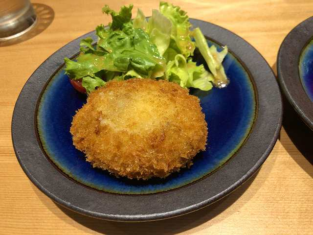 牛筋チーズコロッケ2.jpg