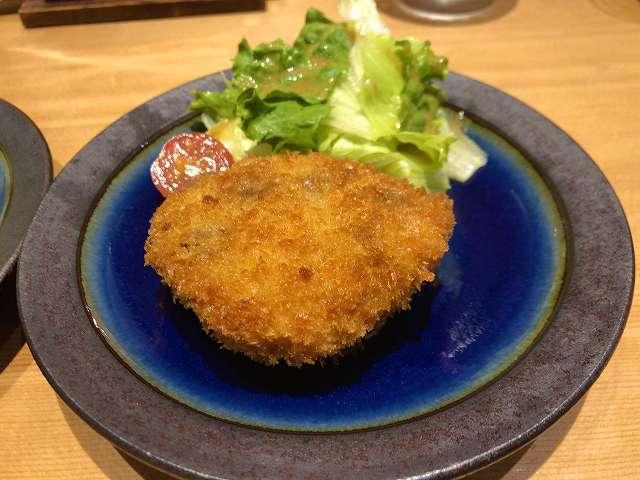 牛筋チーズコロッケ3.jpg