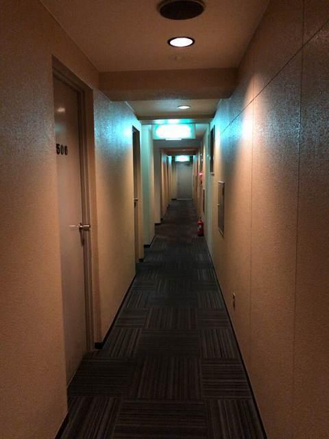 狭い廊下.jpg