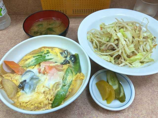 玉子丼1肉野菜炒め5.jpg