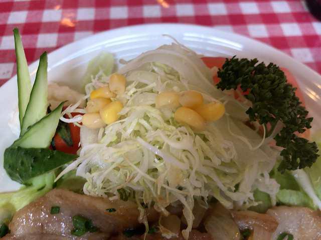 生姜焼5マウントキャベツ生野菜2.jpg