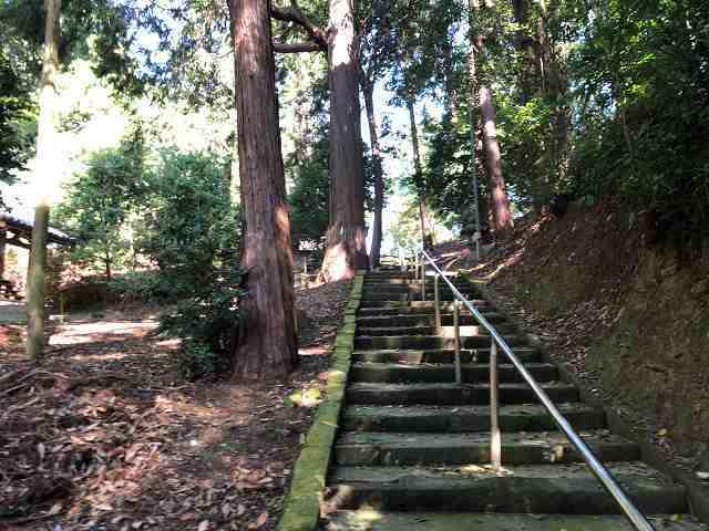 神社6石段.jpg