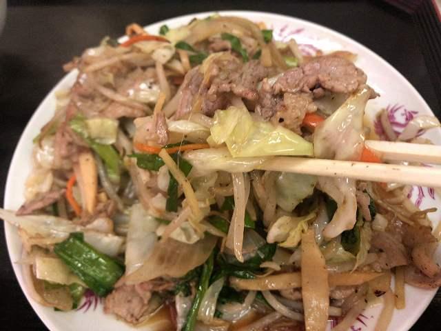 肉野菜13肉も摘まむ2.jpg