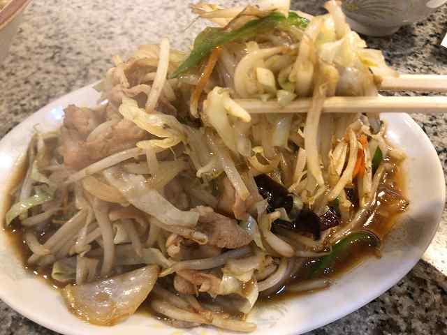 肉野菜6野菜を摘まむ2.jpg
