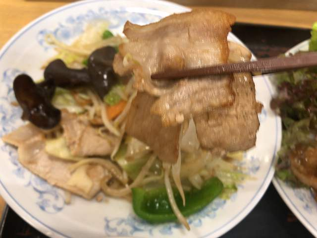 肉野菜炒め5肉ボケてますが.jpg