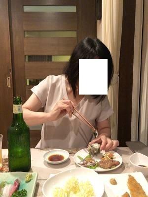肝を食べるジャン妻2.jpg