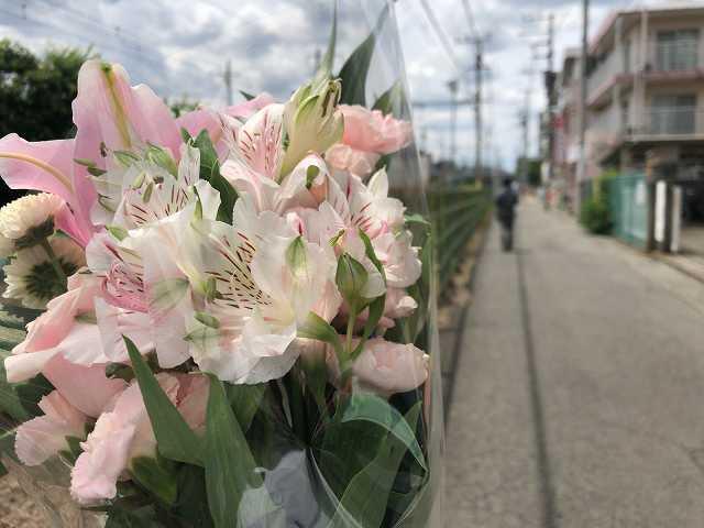 花を掲げて?.jpg