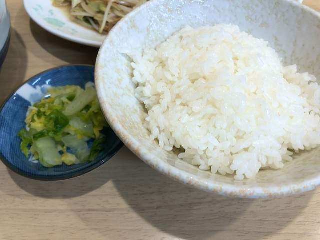茶碗ご飯とお新香.jpg