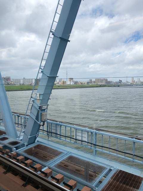 荒川鉄橋減速2.jpg