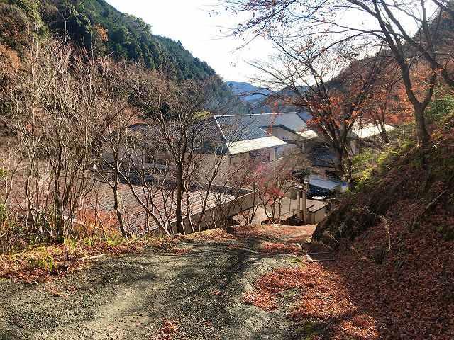 裏12船山館を見下ろす.jpg