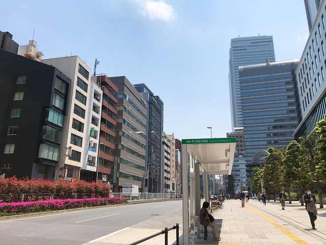 西新宿駅へ.jpg