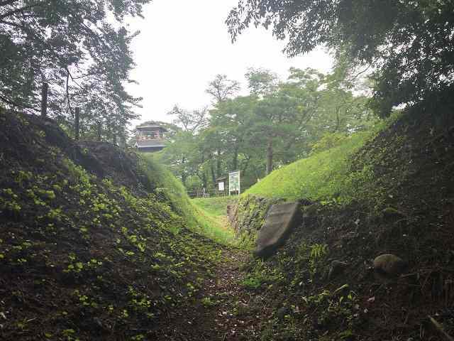 西櫓台石垣13.jpg