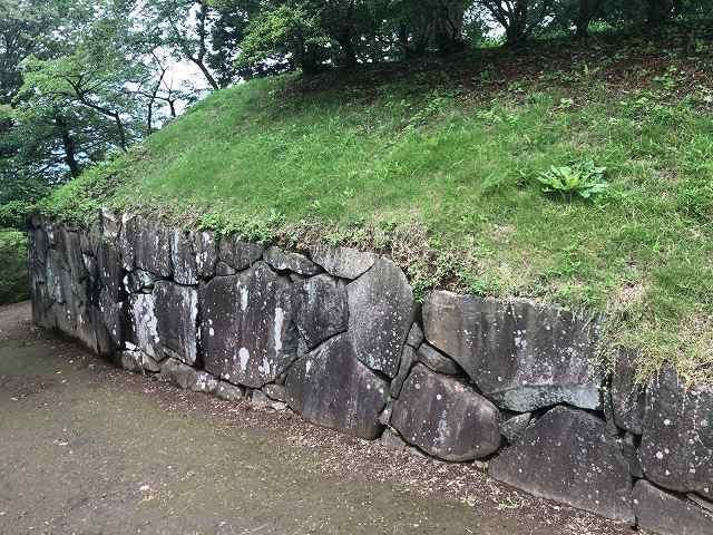 西櫓台石垣6.jpg