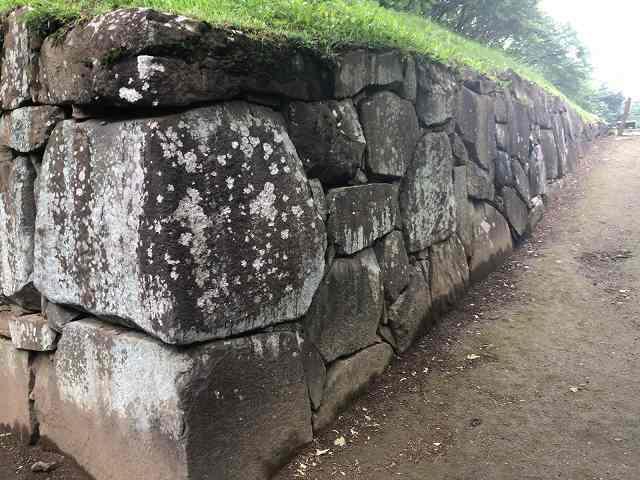 西櫓台石垣7.jpg