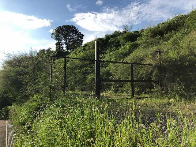 謎の訪城8鉄柵が.jpg