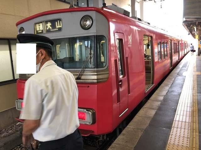 赤い電車1.jpg