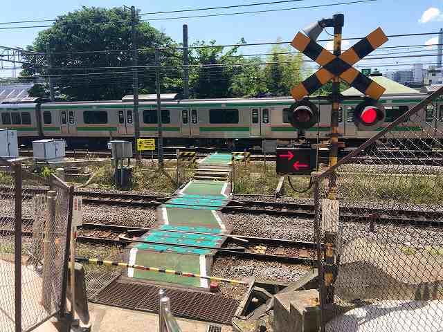 踏切21東海道線4.jpg