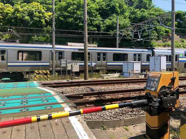 踏切4横須賀線2.jpg