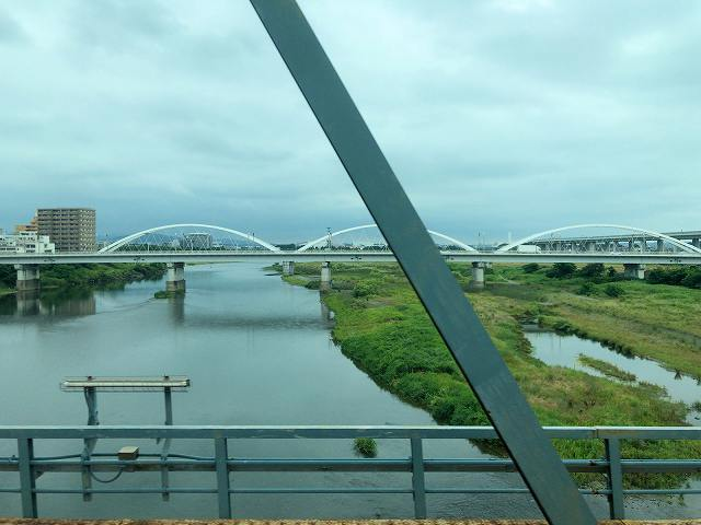車窓1相模川鉄橋1.jpg