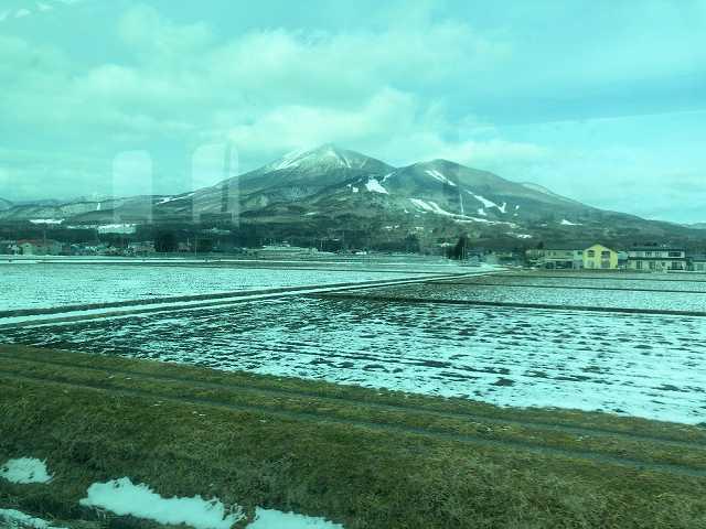 車窓から雪が無い3.jpg
