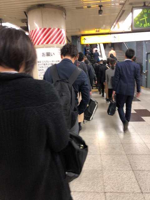 通勤客たち1.jpg