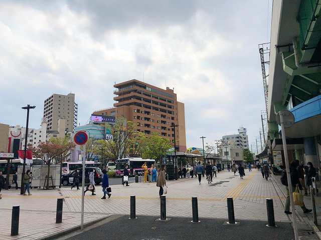 金町15駅前こちかめ像がある.jpg