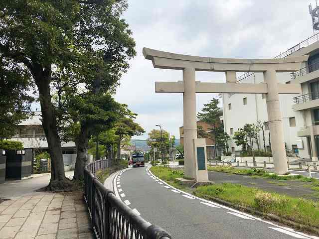 鎌倉2大鳥居.jpg