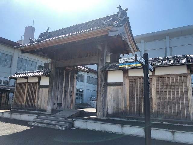 陣屋門2.jpg