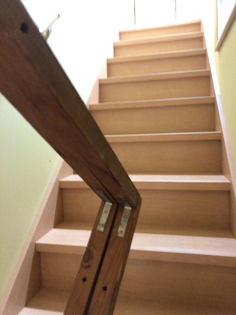 階段2何かの木枠1.jpg