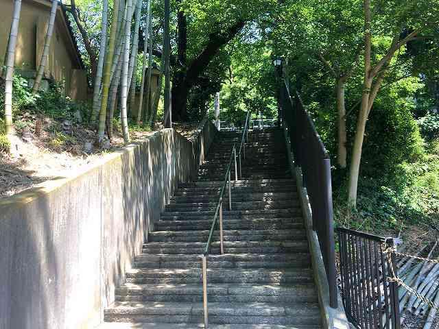 階段の先には.jpg