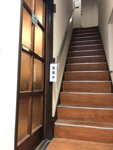 階段上る左入り口.jpg